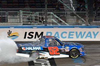 Ganador Stewart Friesen, Halmar Friesen Racing, Chevrolet Silverado Halmar International
