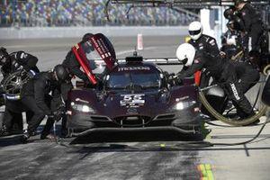 #55 Mazda Team Joest Mazda DPi, DPi: Jonathan Bomarito, Harry Tincknell, Ryan Hunter-Reay - pit stop