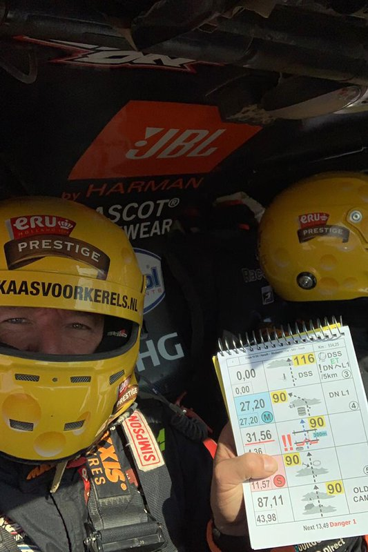 #347 Jefferies e Maxxis Dakar Team: Tim Coronel, Tom Coronel