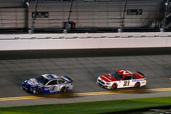 Kevin Harvick, Stewart-Haas Racing, Ford Mustang Busch Light #PIT4BUSCH and Matt DiBenedetto, Wood Brothers Racing, Ford Mustang Motorcraft/Quick Lane