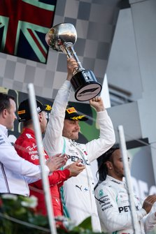 Valtteri Bottas, Mercedes AMG F1, 1st position, if his trophy