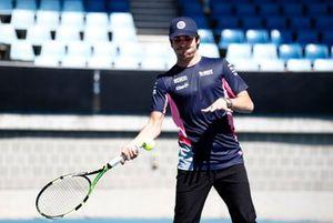 Lance Stroll, Racing Point juega al tenis con Lleyton Hewitt