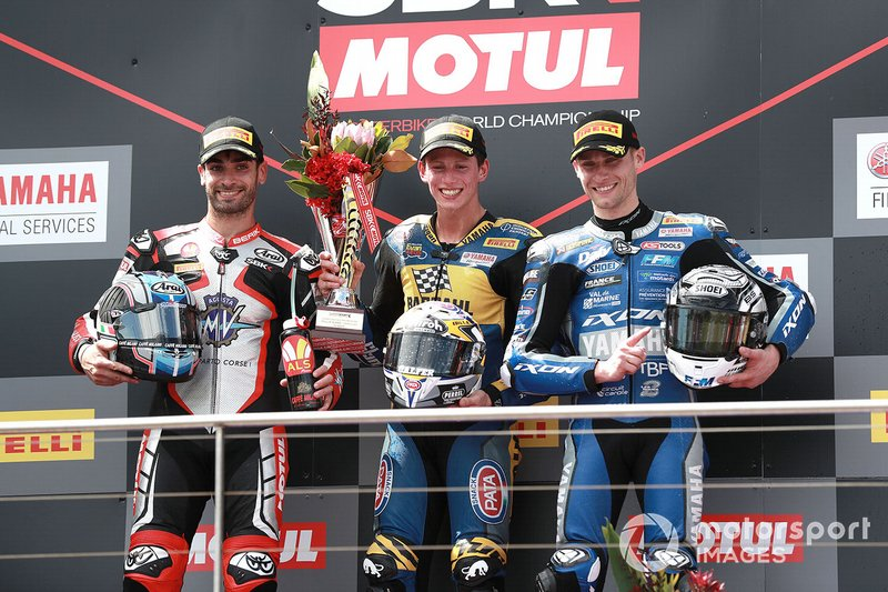 Il vincitore della gara Andrea Locatelli, BARDAHL Evan Bros. WorldSSP Team, secondo classificato Raffaele De Rosa, MV Agusta Reparto Corse, terzo classificato Jules Cluzel, GMT94 Yamaha