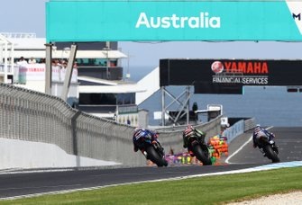 Loris Baz, Ten Kate Racing Yamaha leads