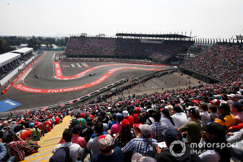 Nico Rosberg, Mercedes F1 W06, y Lewis Hamilton, Mercedes F1 W06