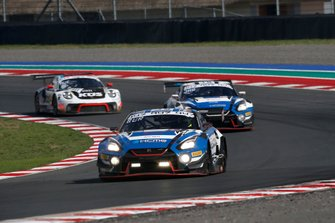 #35 KCMG Nissan GT-R NISMO GT3: Katsumasa Chiyo, Joao Paulo de Oliveira, Joshua Burdon