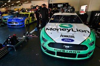 Brad Keselowski, Team Penske, Ford Mustang MoneyLion and Ryan Blaney, Team Penske, Ford Mustang Menards / Peak