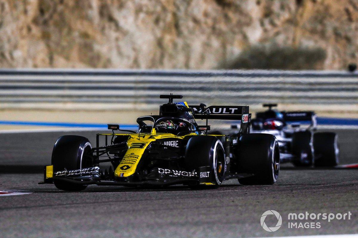 Daniel Ricciardo, Renault F1 Team R.S.20, Daniil Kvyat, AlphaTauri AT01