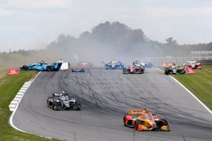 Ryan Hunter-Reay, Andretti Autosport Honda, Sebastien Bourdais, A.J. Foyt Enterprises Chevrolet, crash