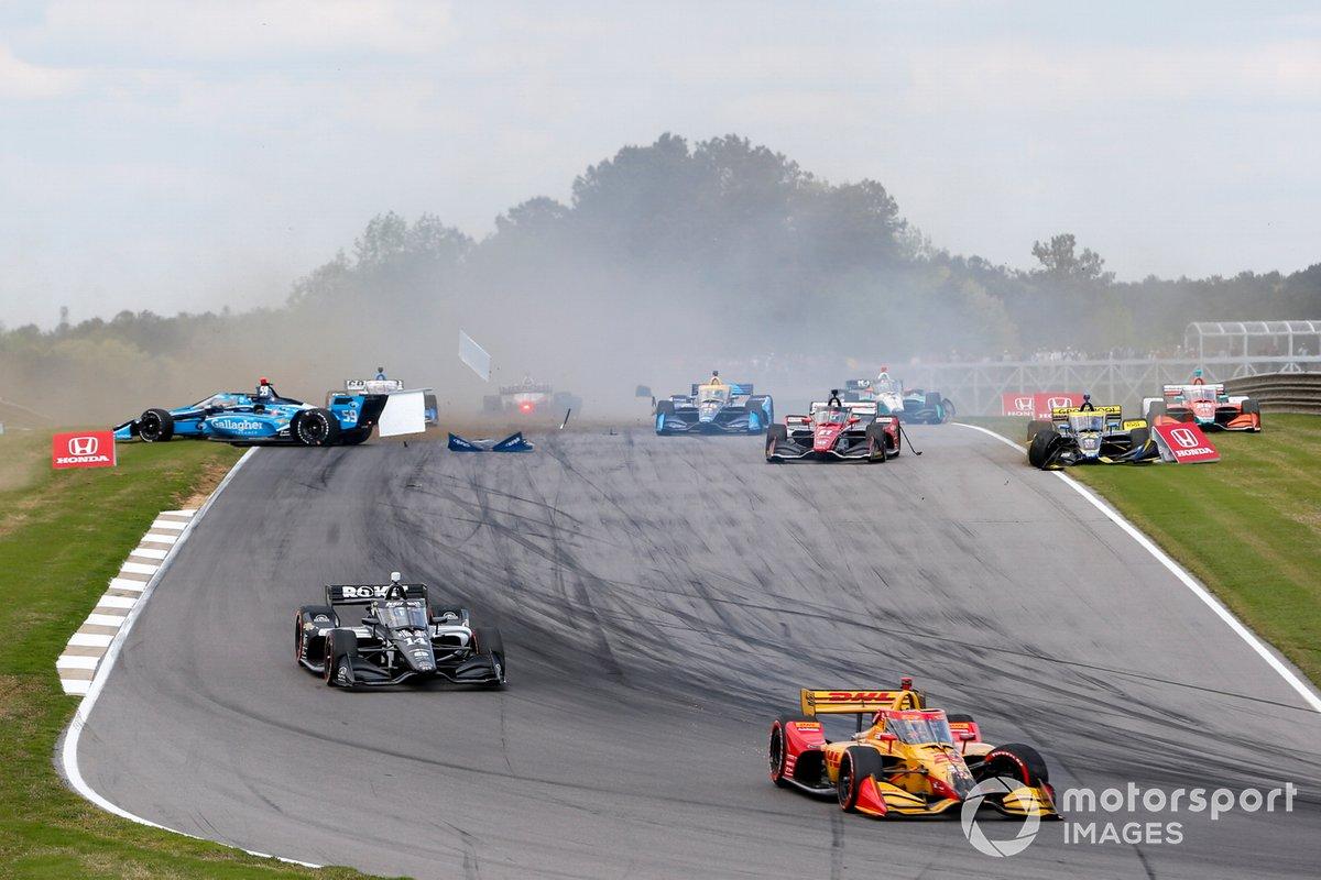 Accidente de Ryan Hunter-Reay, Andretti Autosport Honda, Sebastien Bourdais, A.J. Foyt Enterprises Chevrolet