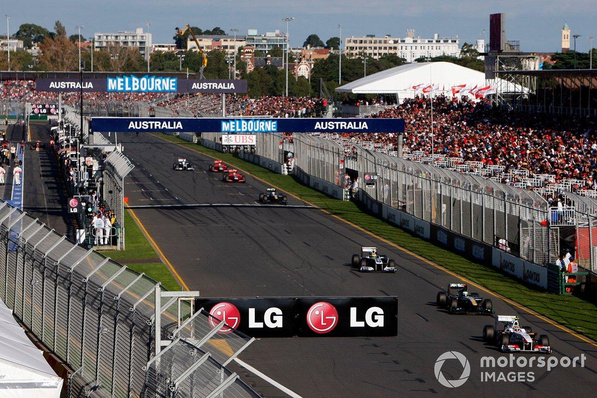 Sergio Pérez, Sauber C30 Ferrari, Jarno Trulli, Lotus T128 Renault, Pastor Maldonado, Williams FW33 Cosworth