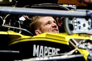 Nico Hulkenberg, Renault R.S. 19 seduto nella sua cabina di pilotaggio