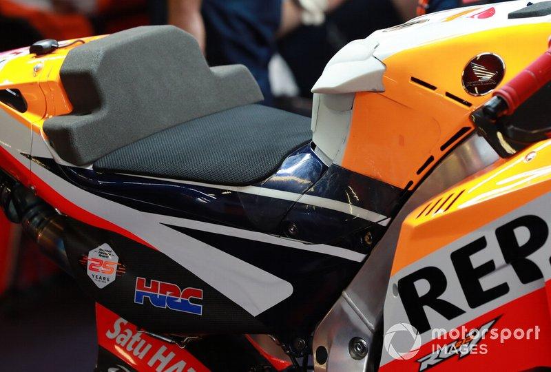 Tank am Bike von Jorge Lorenzo, Repsol Honda Team
