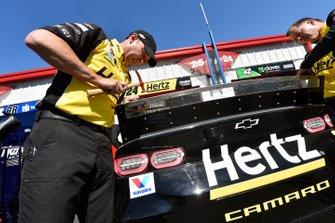 Chad Knaus, William Byron, Hendrick Motorsports, Chevrolet Camaro Hertz