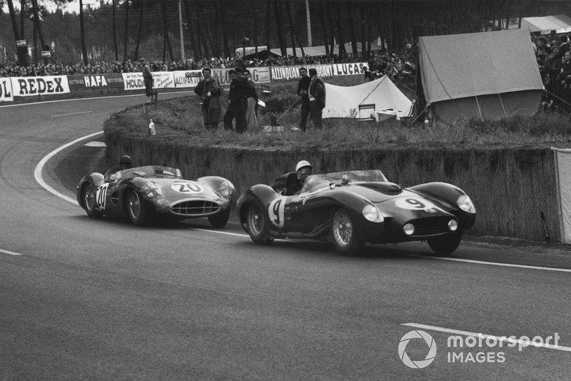 …а Тони Брукс, который до того финишировал вторым в Монако, попал в серьезную аварию на «24 часах Ле-Мана» за рулем Aston Martin (№20) и на несколько недель выбыл из строя