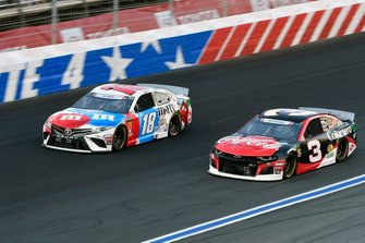 Austin Dillon, Richard Childress Racing, Chevrolet Camaro Coca-Cola Zero Sugar,Kyle Busch, Joe Gibbs Racing, Toyota Camry M&M's Red, White & Blue