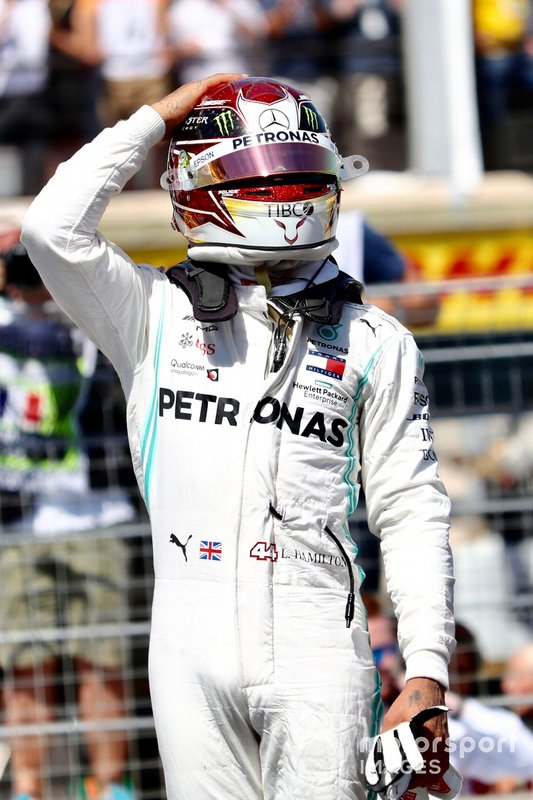 Lewis Hamilton, Mercedes AMG F1, celebrates pole after Qualifying