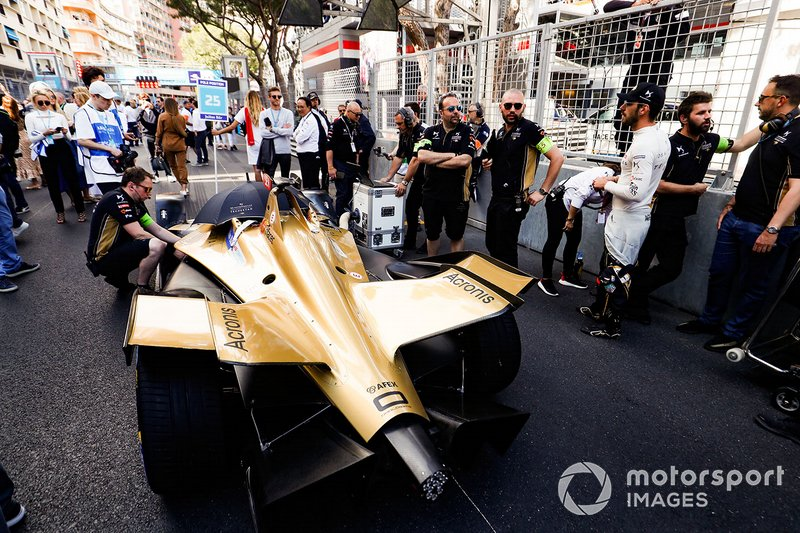 Jean-Eric Vergne, DS TECHEETAH stands beside his DS E-Tense FE19 on the grid
