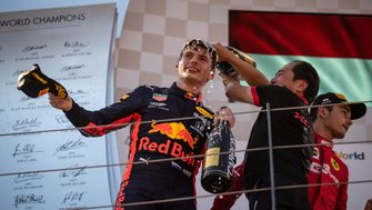Max Verstappen, Red Bull Racing, Toyoharu Tanabe Honda F1 Technical Director