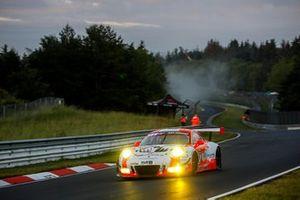 #12 Manthey-Racing Porsche 911 GT3 R: Otto Klohs, Lars Kern, Dennis Olsen, Matteo Cairoli