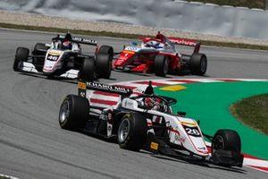 Greogire Saucy, ART Grand Prix, gana la carrera 2