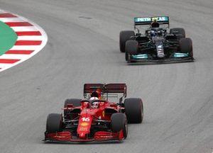 Charles Leclerc, Ferrari SF21, Valtteri Bottas, Mercedes W12