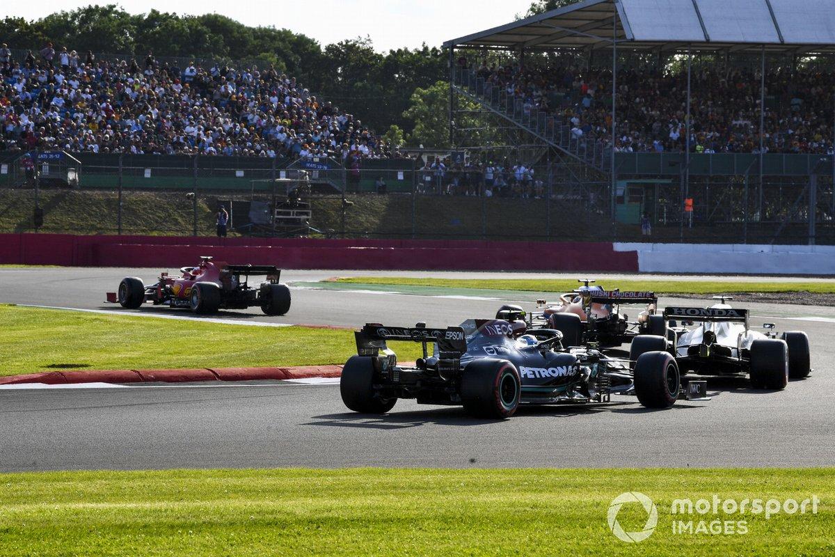 Carlos Sainz Jr., Ferrari SF21, Lando Norris, McLaren MCL35M, Yuki Tsunoda, AlphaTauri AT02, Valtteri Bottas, Mercedes W12