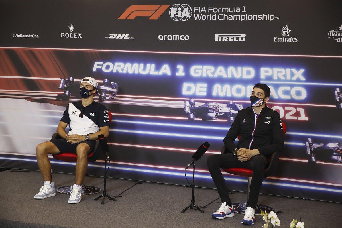 Pierre Gasly, AlphaTauri, y Esteban Ocon, Alpine F1