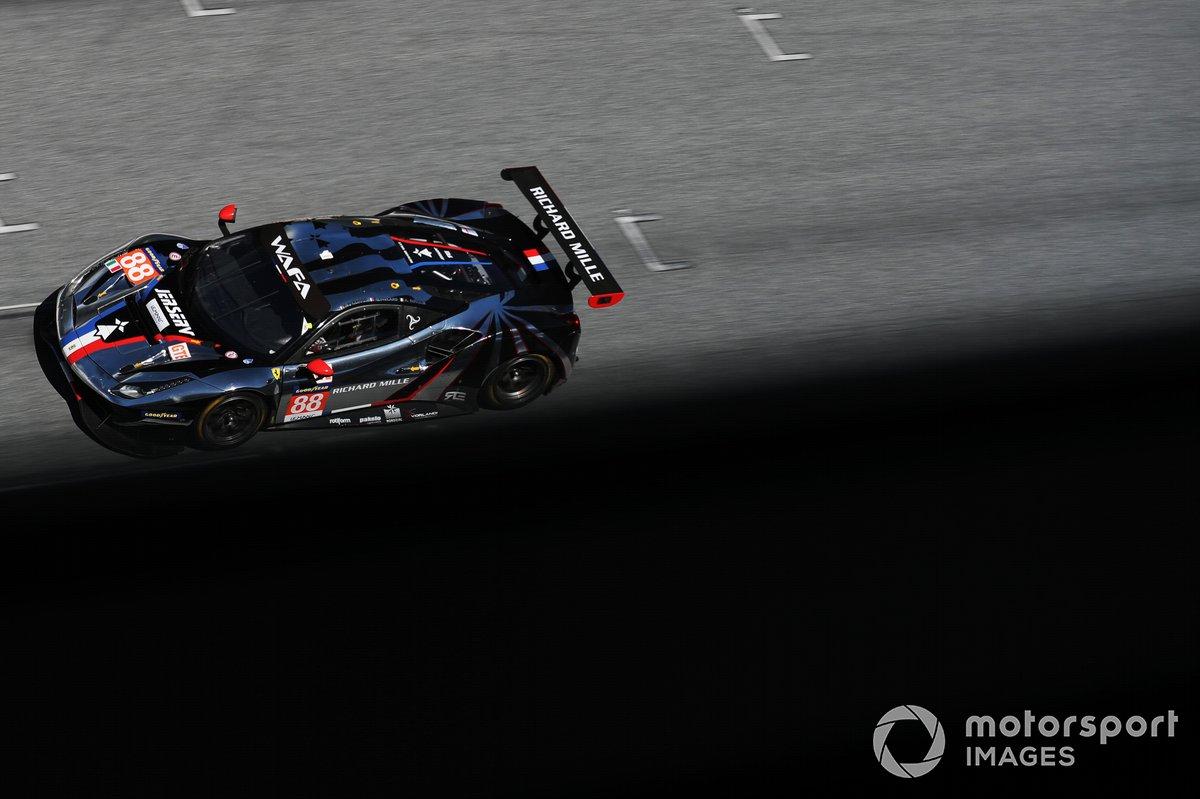 #88 AF Corse Ferrari F488 GTE Evo: François Perrodo, Alessio Rovera, Emmanuel Collard
