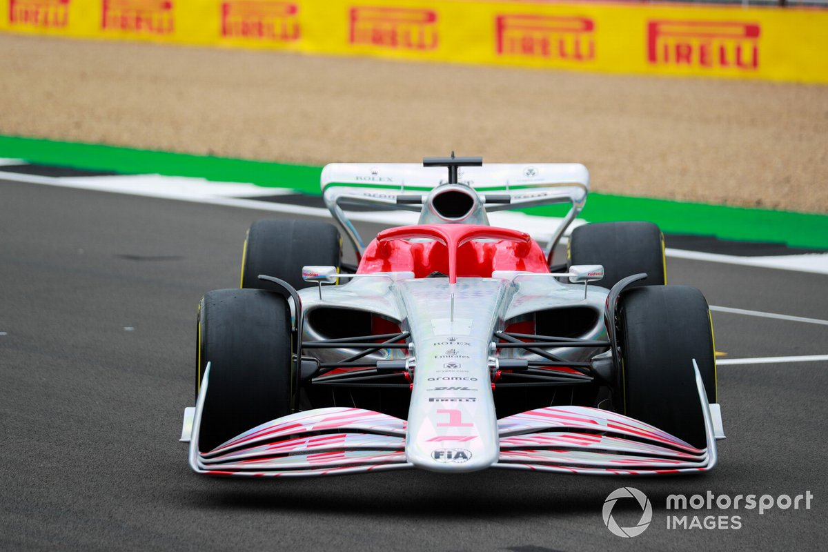Detalle delantero del coche de Fórmula 1 2022