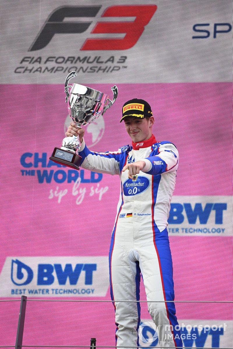 Podio: ganador David Schumacher, Trident