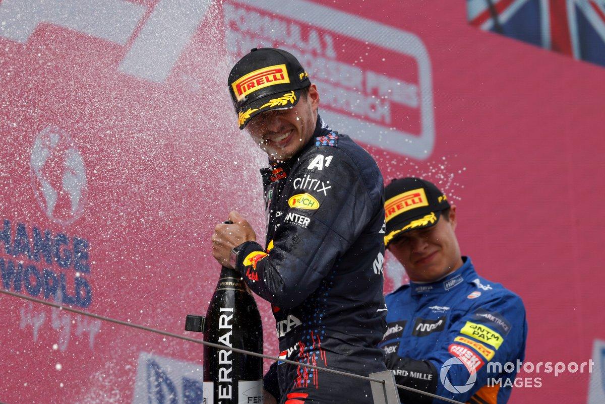 Podio: ganador Max Verstappen, Red Bull Racing , tercer lugar Lando Norris, McLaren