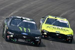 Riley Herbst, Stewart-Haas Racing, Ford Mustang Monster Energy and Ryan Sieg, RSS Racing, Ford Mustang CMR Construction and Roofing / A-Game