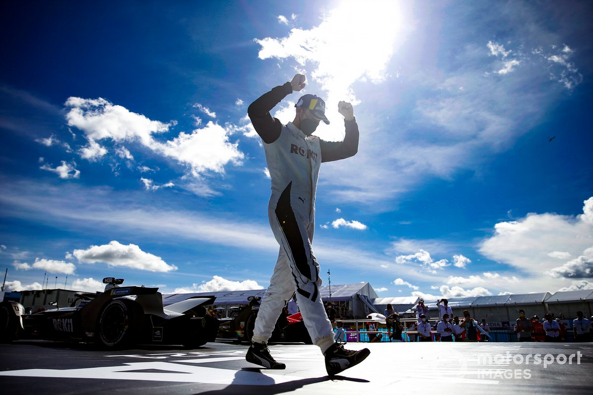 Ganador Edoardo Mortara, Venturi Racing celebra