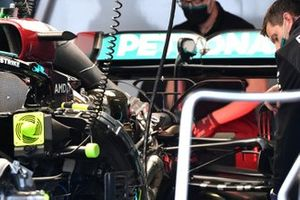 Mercedes W12 powerunit detail