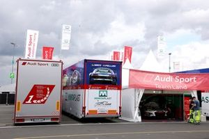 #29 Audi Sport Team Land Audi R8 LMS GT3: Christopher Mies, Kelvin van der Linde, Rene Rast, Frédéric Vervisch