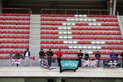 Lewis Hamilton, Mercedes AMG F1 los fanáticos, banderas y pancartas