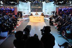 Basın Konferansı atmosferi