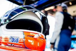Helm van Oswaldo Negri, Michael Shank Racing