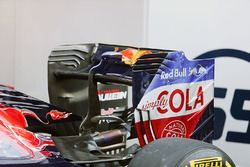 The Scuderia Toro Rosso STR11 rear wing