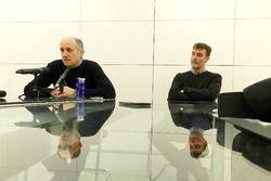 Franz Tost et James Key à l'usine Scuderia Toro Rosso