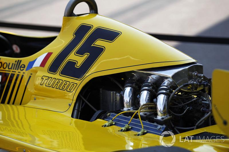 Автомобиль Renault RS01