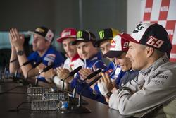 Nicky Hayden annonce son retrait du MotoGP en conférence de presse