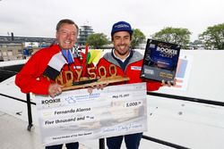 Fernando Alonso, Andretti Autosport, Honda; der ehemalige McLaren-Indy-500-Sieger Johnny Rutherford