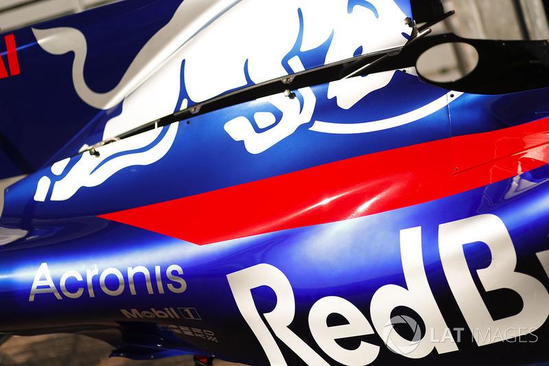 Scuderia Toro Rosso body work