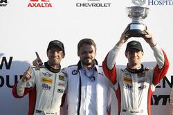 Podium ST: Race winner #73 MINI JCW Team MINI Cooper John Cooper Works: Derek Jones, Mat Pombo