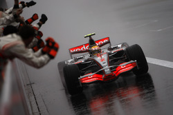 Race winner Lewis Hamilton, McLaren MP4-22