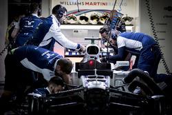 Ingegneri Williams al lavoro sulla monoposto di Felipe Massa, Williams FW40