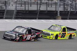 Noah Gragson, Kyle Busch Motorsports Toyota y Matt Crafton, ThorSport Racing Toyota