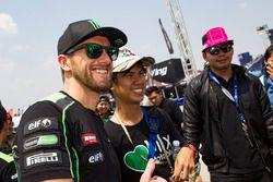 Tom Sykes, Kawasaki Racing con dei tifosi